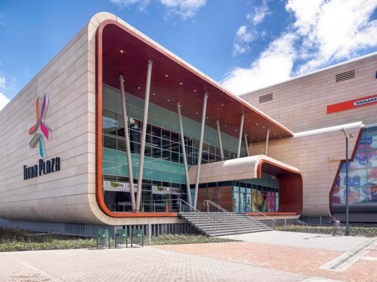 Shopping Titan plaza