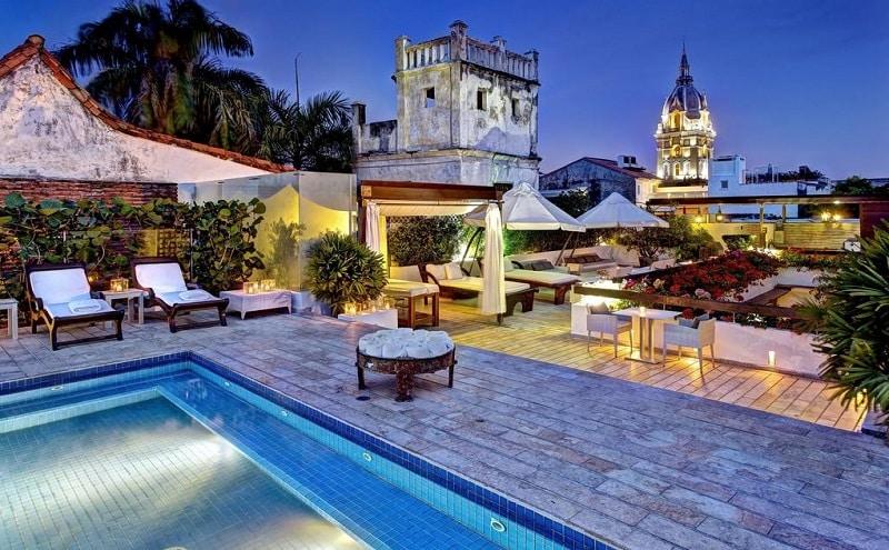 Área de lazer de hotel na Colômbia