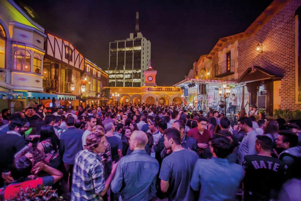 Balada Theatron em Bogotá