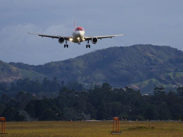 Como achar passagens aéreas muito baratas para Medellín