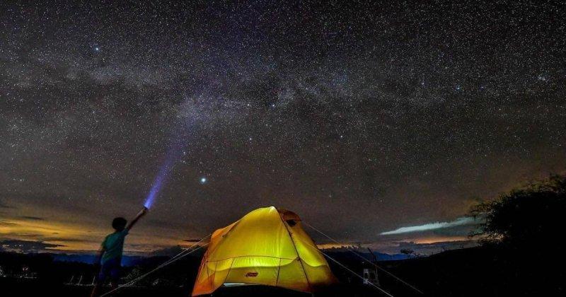 Noite no Deserto Tatacoa na Colômbia