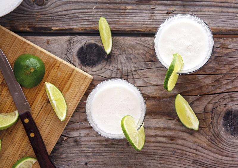 Onde tomar a famosa limonada de coco da Colômbia