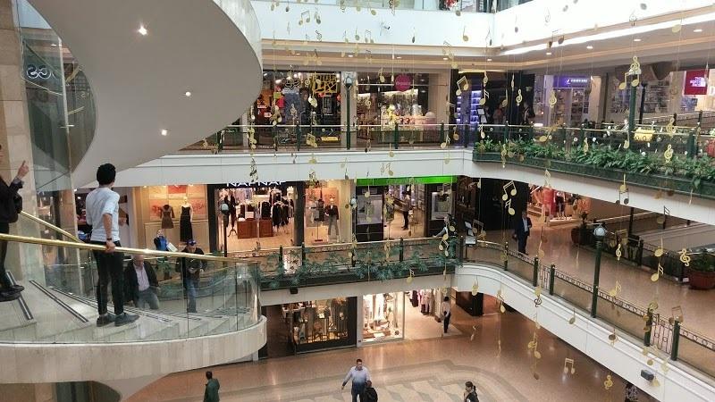 Andares do Centro Comercial Andino em Bogotá
