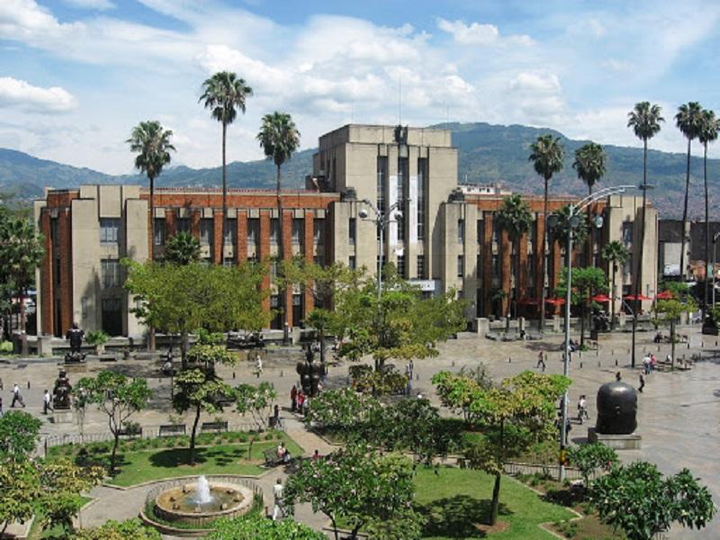 Vista aérea da Plaza Botero em Medellín