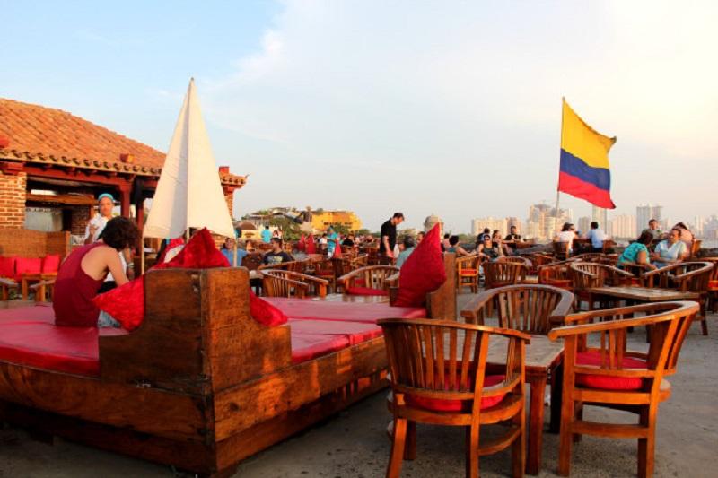 Fim de tarde no Cafe del Mar em Cartagena