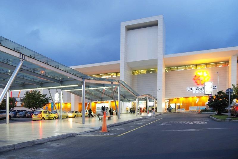 Estacionamento do Centro Comercial Unicentro Bogotá