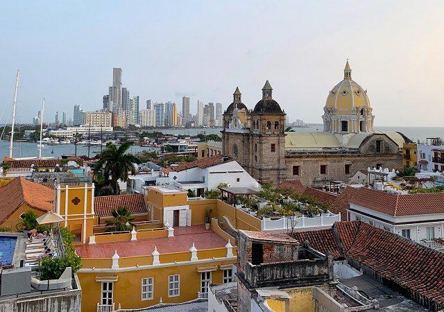 Como levar pesos colombianos para a Colômbia