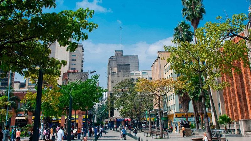 Como levar pesos colombianos em Medellín
