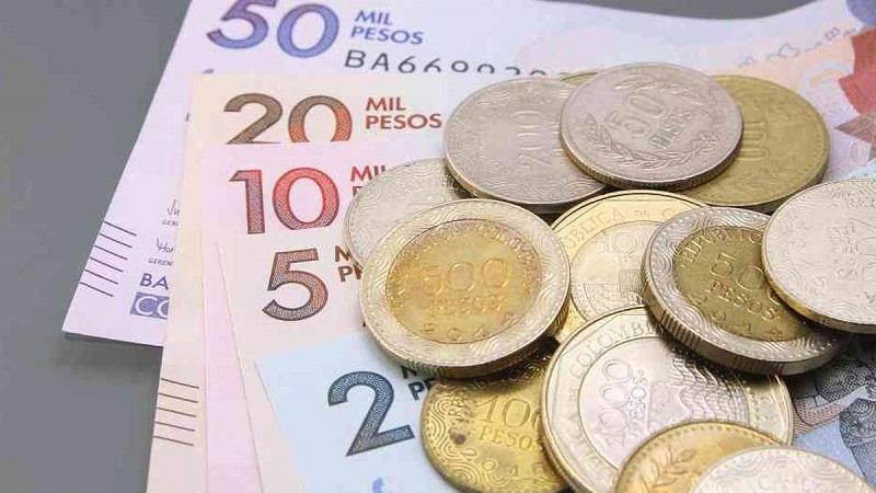 Dinheiro vivo ou pesos colombianos em espécie
